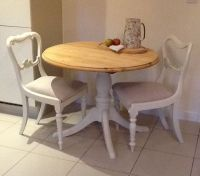 [small table and chairs]