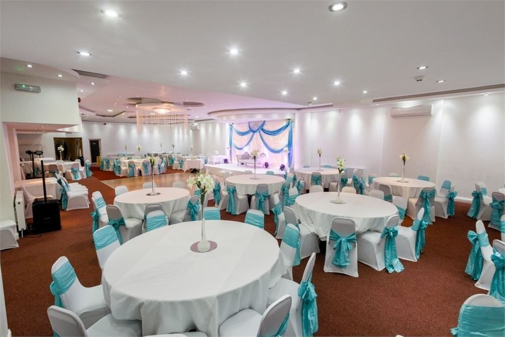 wedding chair cover hire west yorkshire keter lounge chairs stages mehndi outdoor lighting marquees floral covers table decor in bradford gumtree