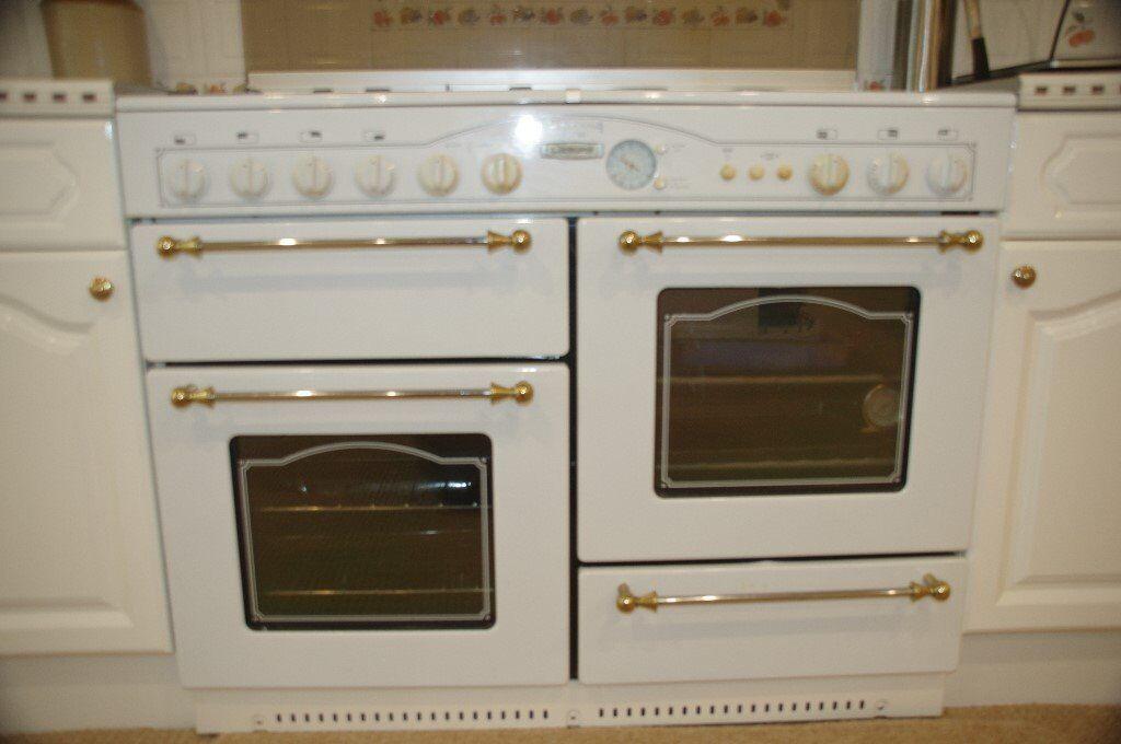 Rangemaster Victoriana de luxe Leisure range cooker white
