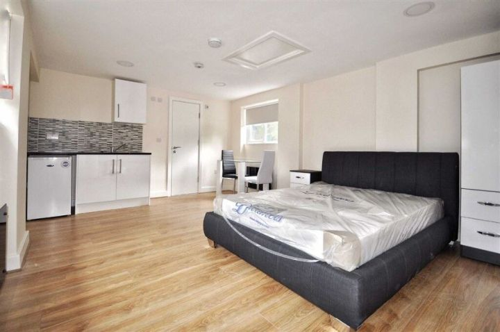Studio Flat To In Plaistow 700 Part Dss Accepted East Ham