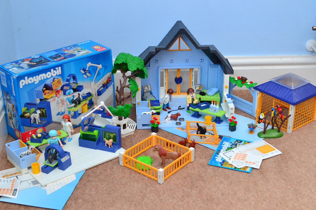 Playmobil 4343 Animal Clinic And 4346 Vet Operating Room
