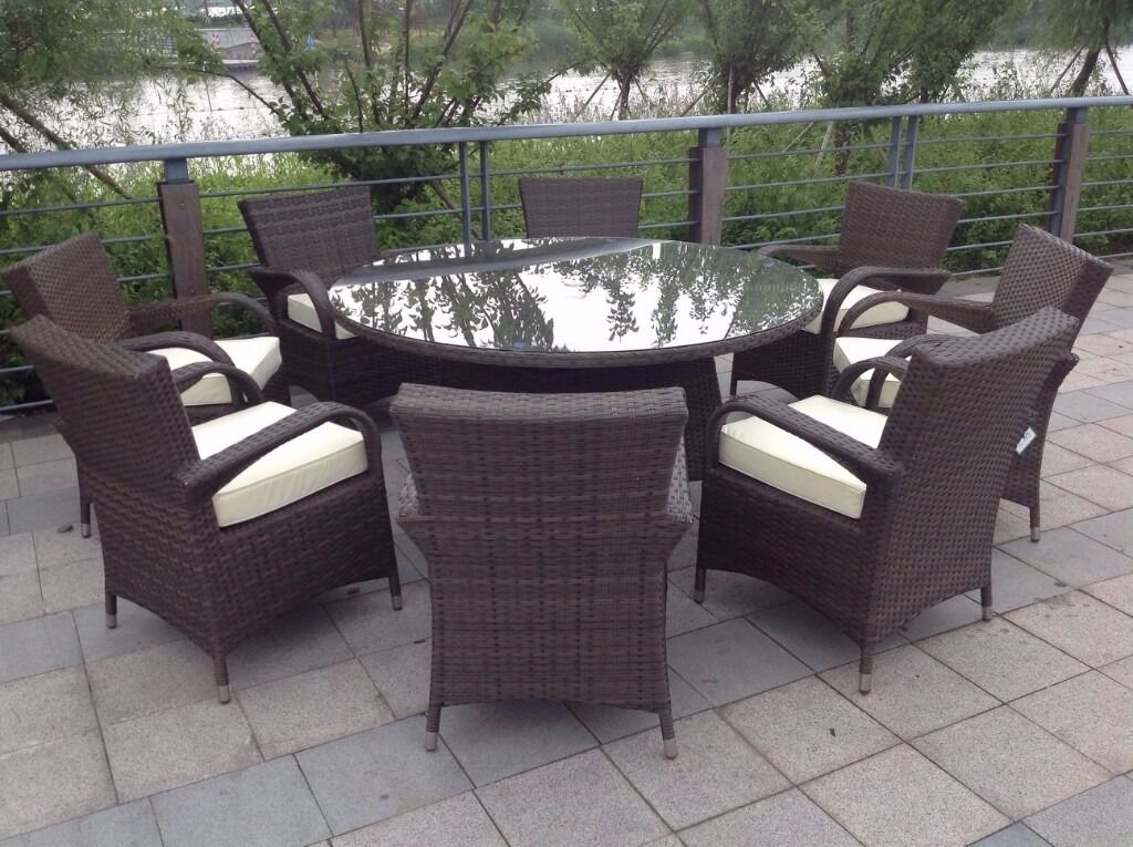 Round Rattan Garden Table Set  Round Table Ideas