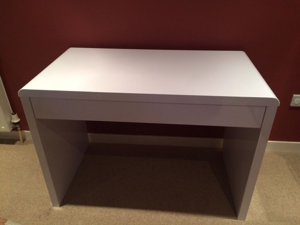 BRAND NEW Luxor Gloss WorkstationDesk With Hidden Drawer