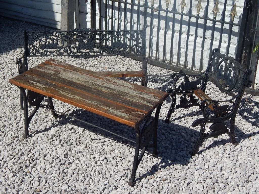 cast iron table and chairs gumtree where can i buy a zero gravity chair bench ends childrens garden furniture set