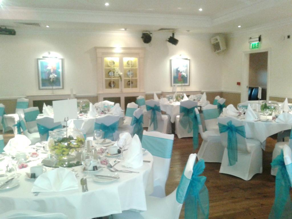chair covers hire in wolverhampton ergonomic angle tablecloths for white from 4 00 each weddings https i ebayimg com s nzy4wdewmjq