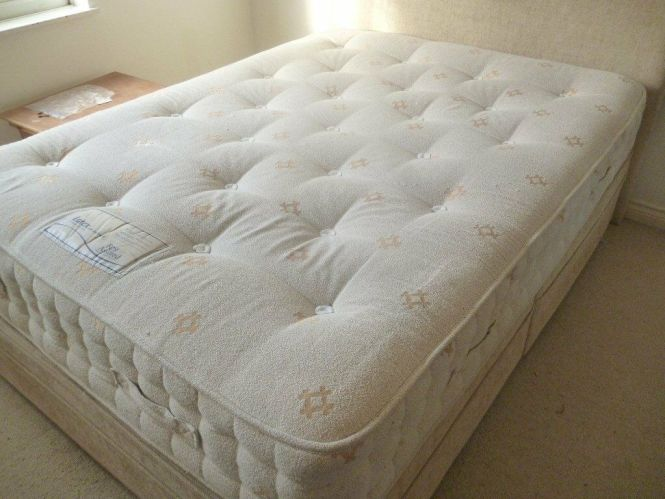 King Size Double Bed And 1600 Pocket Sprung Rest Assured Mattress