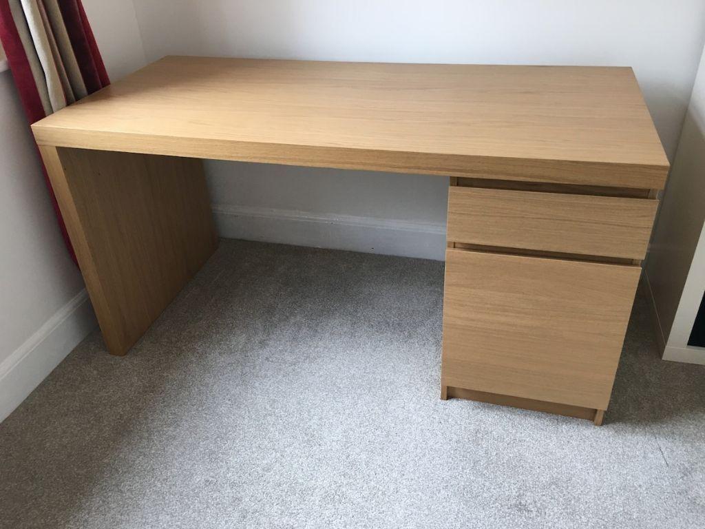IKEA Malm desk oak veneer like new  in Westbury On