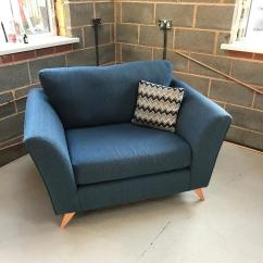 2 Seater Love Chair Kid Adirondack Wood Scs Solo 3 Sofa Accent Only 8 Weeks Old As New