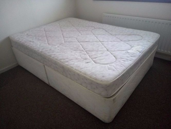 Used Double Bed Free Mattress