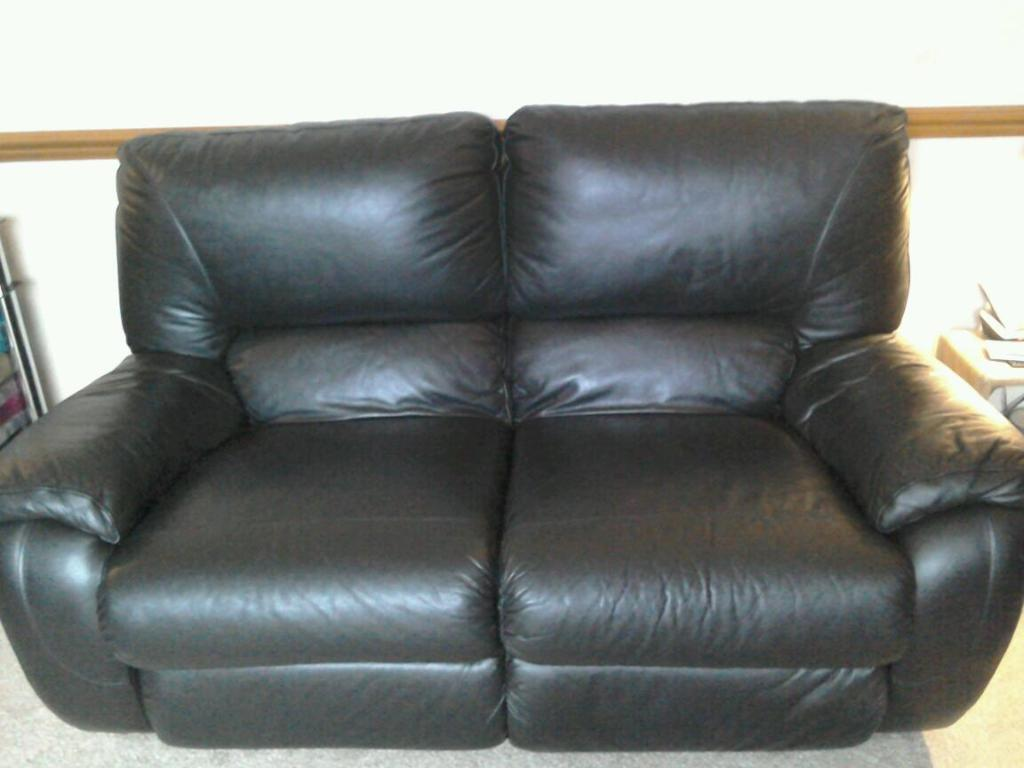 lazyboy leather sofas sofa greenpoint black in willowbrae edinburgh