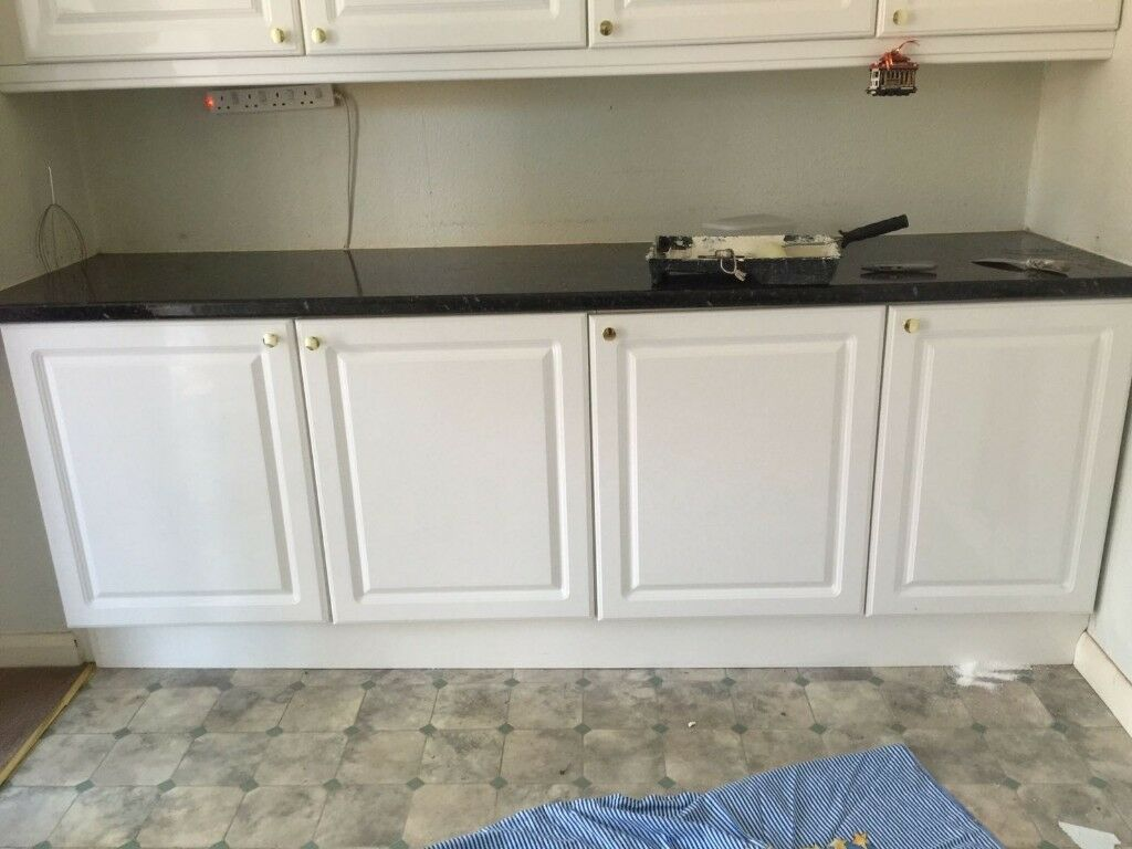 b&q kitchens john boos kitchen cart 3 standard gloss white slightly used cabinet doors b q with golden knob handle and hinges