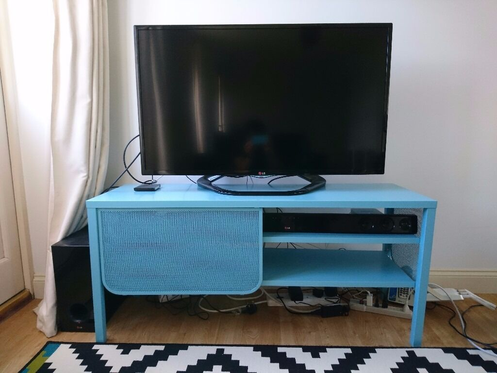 tv chair ikea flower back covers for weddings nittorp turquoise metal bench stand in milton