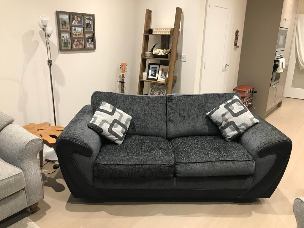 sofa beds reading berkshire aubergine throws dfs bed 2 3 seater in gumtree 75 00