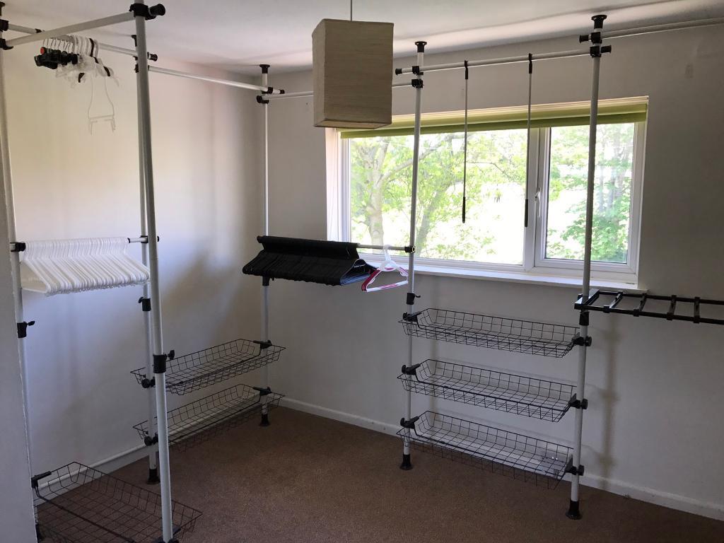 Telescopic Wardrobe Organiser Hanging Rail Clothes Rack