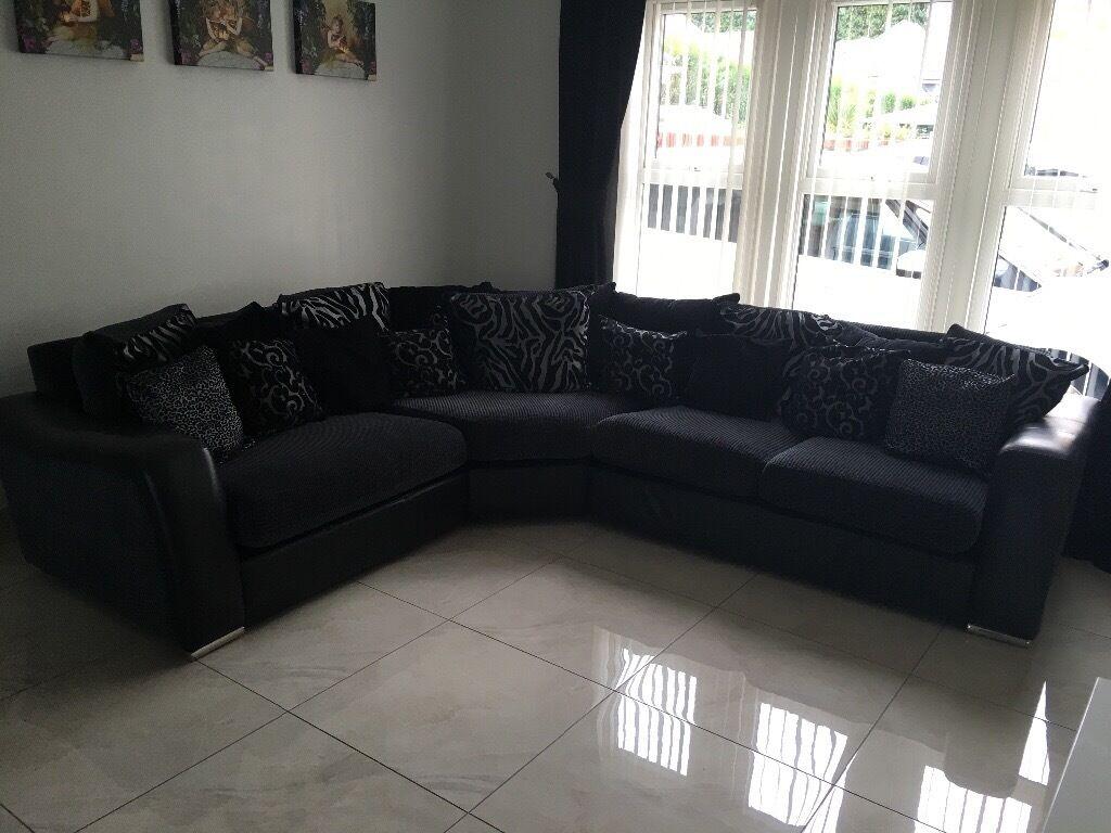 dfs metro sofa review set designs photo gallery in kenya studio fabric corner www looksisquare com black thecreativescientist