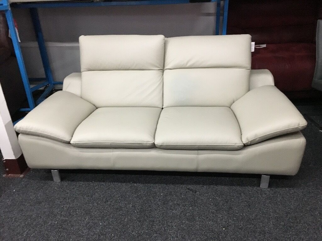 red leather sofas gumtree manchester chesterfield 3 seater sofa harveys insurance brokeasshome