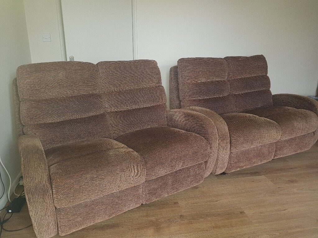 two seater recliner sofa gumtree montana faux leather bed with storage lazyboy electric 2 x2 in