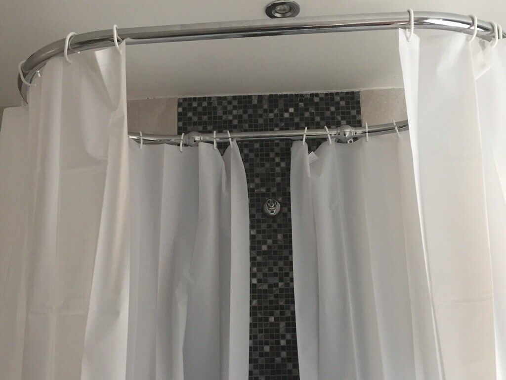 Traditional Chrome Oval Shower Curtain Raik In Formby Merseyside Gumtree