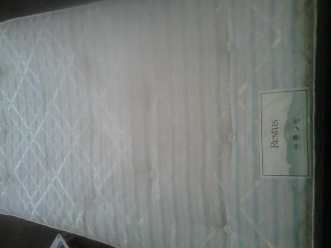 3foot 6 Inch By Foot Single Mattress Basically New 25 Pound Please Call