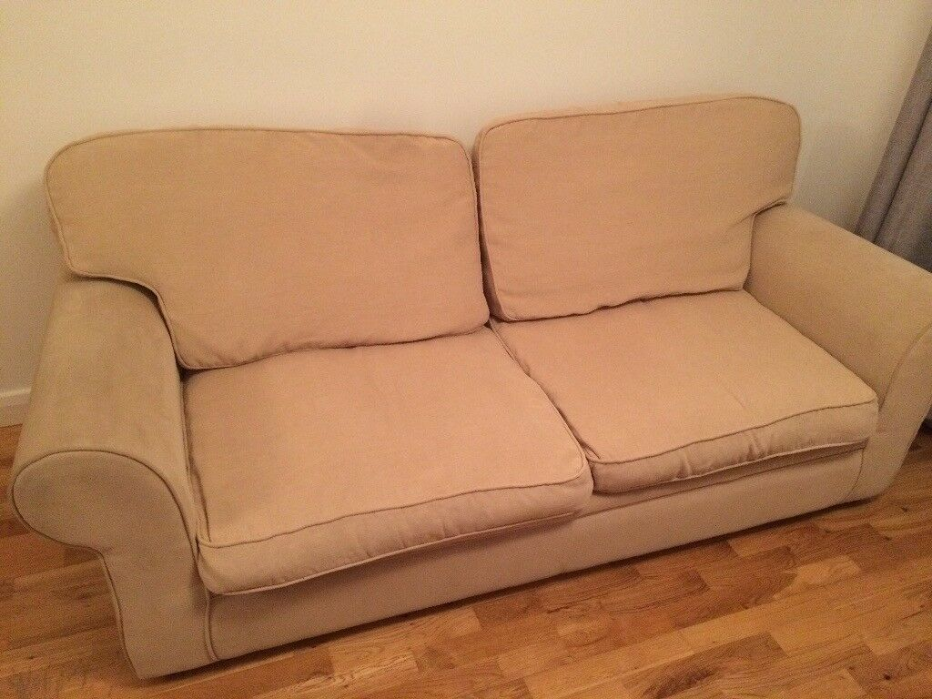 horse sofa slipcovers small es configurable sectional dimensions gumtree sofas watford brokeasshome