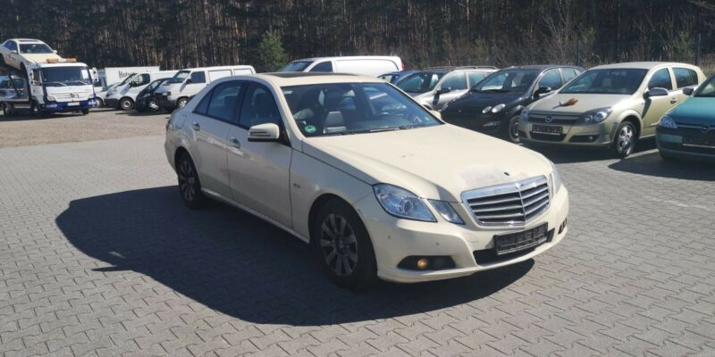Mercedes-Benz E 200 CDI BlueEfficiency*Taxi*PDC*Navi*Leder*