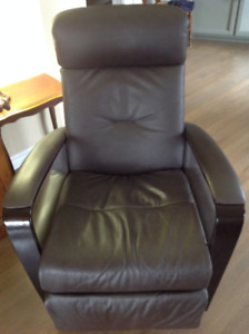 swivel chairs kijiji peterborough oxo tot sprout chair buy or sell recliners in area img norway leather recliner