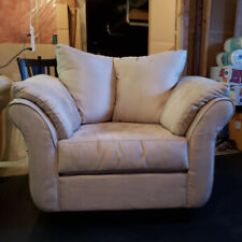 Leon S Mackenzie Sofa Disinfectant Leons Kijiji In Alberta Buy Sell Save With Canada 1 Local Beige Collier Chair Couch Set