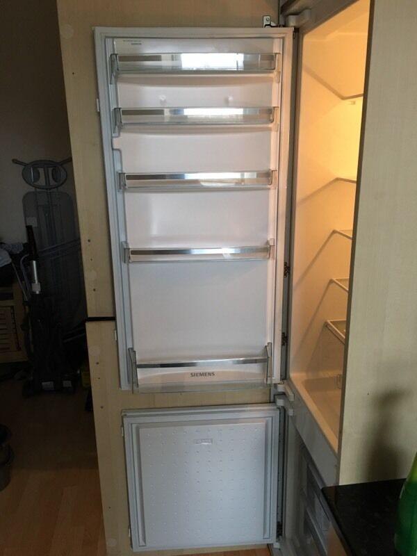 Genuine part number 00490705 Bosch Refrigeration White Door Handle