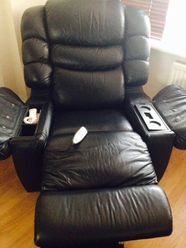 two seater recliner sofa gumtree sleeper with matching reclining loveseat lazy boy chairs / heat massage/ fridge ...