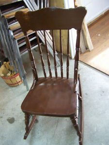 folding chair kijiji old fashioned table and chairs rocking   kijiji: free classifieds in saint john. find a job, buy car, house or ...