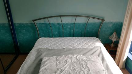 Queen Bed Comfortable Mattress