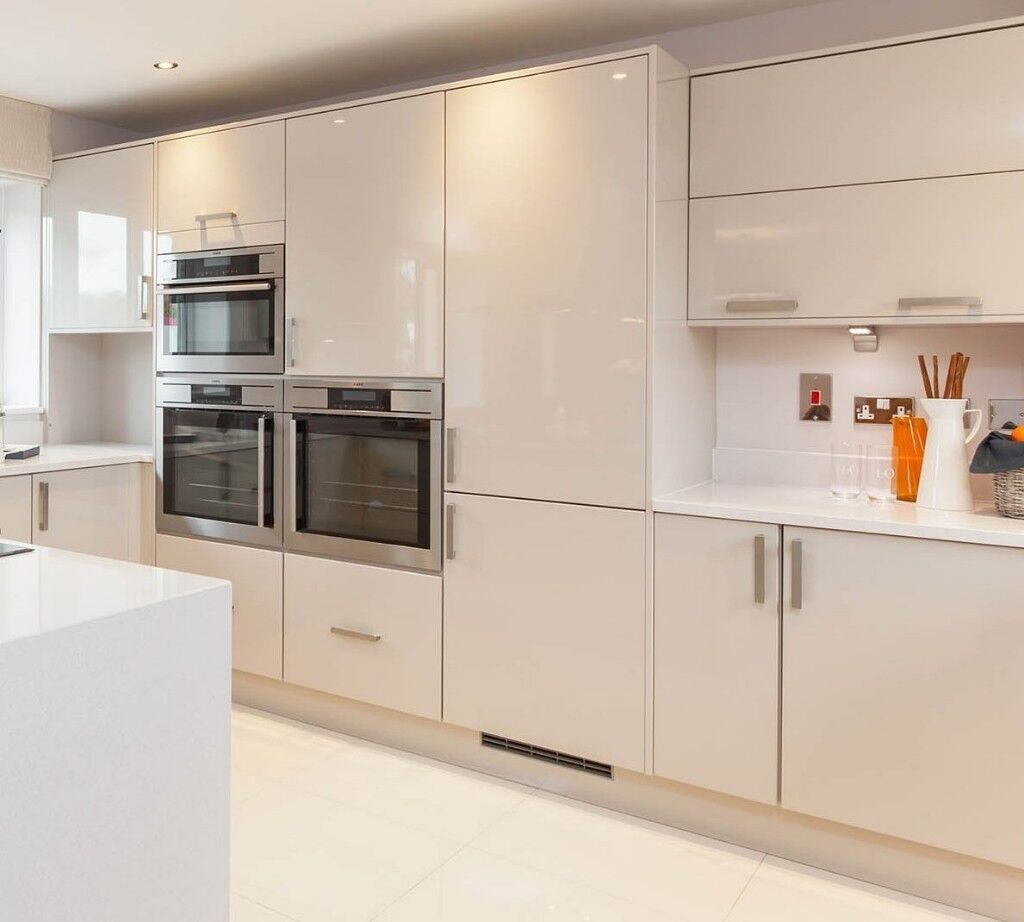 Brand new high gloss kitchen doors from Roundel kitchens
