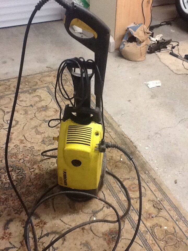Karcher 520m Pressure Washer Not Working Can Be For Spares Or Repair Complete With Brush