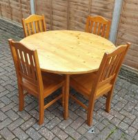 Solid Pine Dining Table with 4 Pine Chairs - Round ...