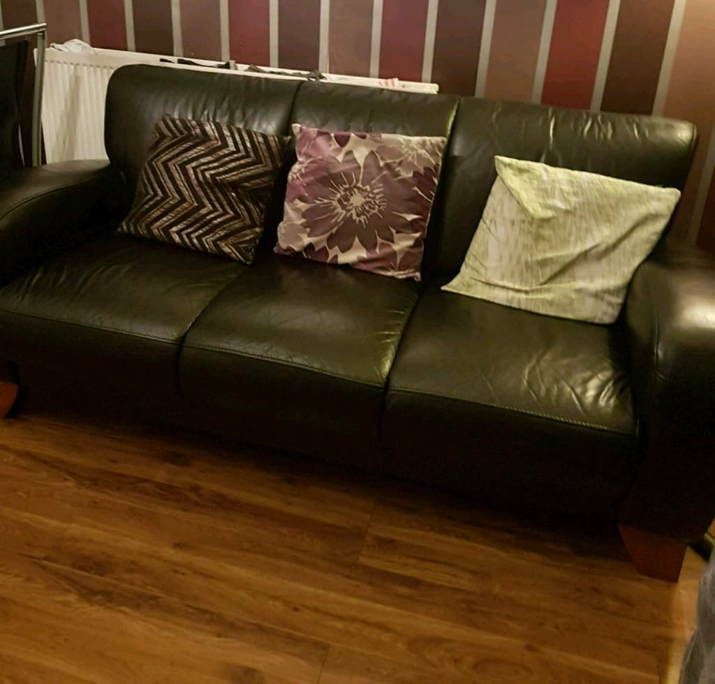 sofa london gumtree l shaped garden cover leather 3 and 2 seater used in bow