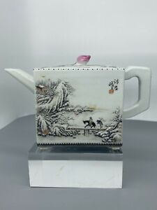 CHINESE REPUBLIC PERIOD WINTER LANDSCAPE DECORATED TEAPOT CALLIGRAPHY MARK