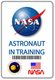 NAME-BADGE-HALLOWEEN-COSTUME-PROP-NASA-ASTRONAUT-IN-TRAINING-MAGNETIC-BACK