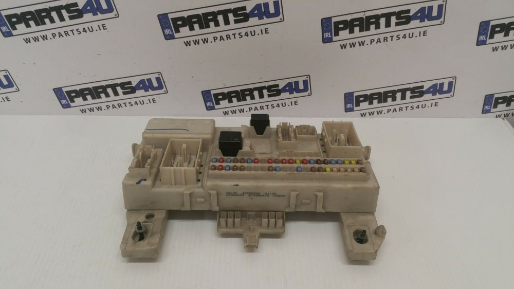 medium resolution of 2006 volvo s40 2 0 diesel body control module bcm fuse box rhd2006 volvo s40 2