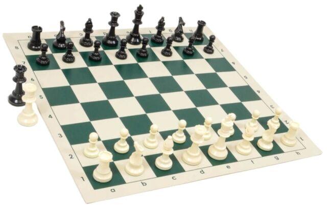 black white chess pieces