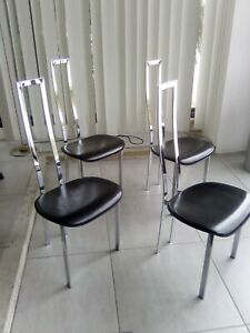 Struttura in metallo dorato.seduta e schienale in alcantara verde con fantasia floreale. Cattelan Italia Set 4 Sedie Acciaio Cuoio Vintage Modernariato Anni 70 Ebay