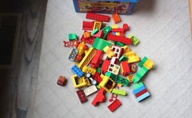 2 5 Pounds Lego Duplo Building Blocks With Storage Plastic