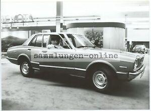 Toyota Carina Saloon Car Automotive Photography Photo Press Photo