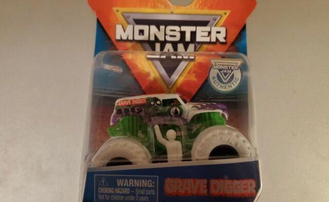 White Grave Digger 2019 Spin Master Monster Jam Truck