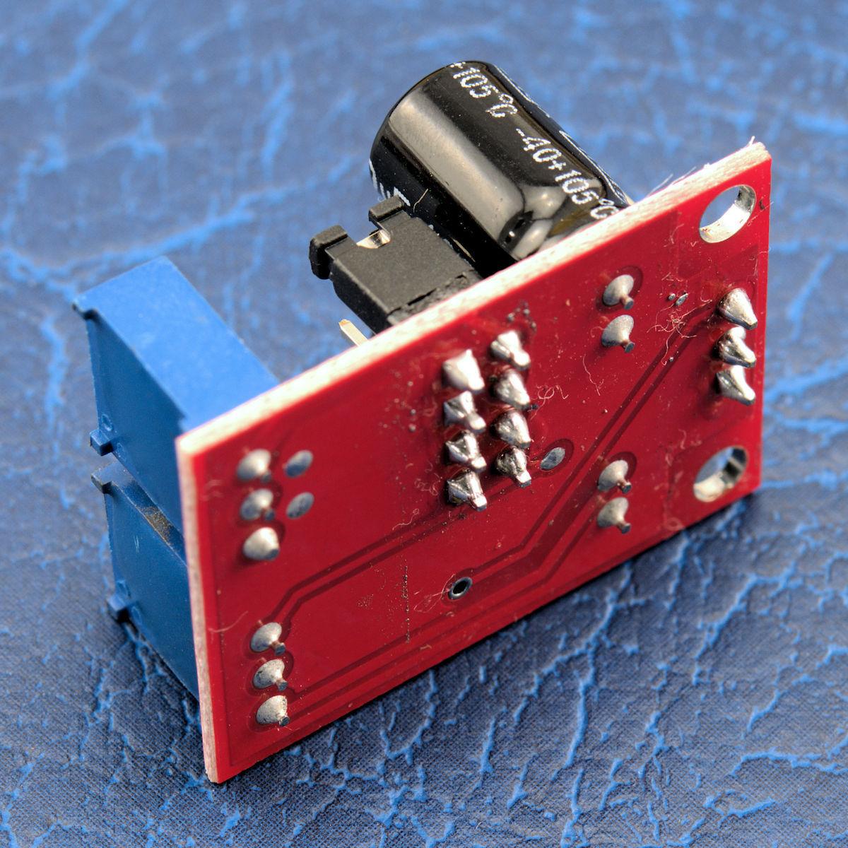 Circuitlab Square Wave Generator