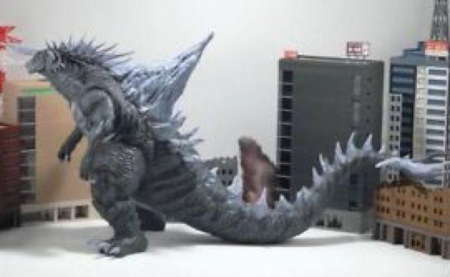 Titanicus 30cm Giant Monster Kaiju Original Xplus Godzilla