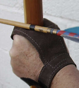 BOW-HAND-PROTECTOR-prevents-longbow-arrow-feathers-cutting-the-top-of-your-hand