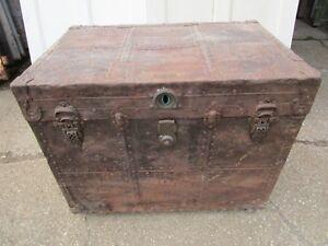 details sur malle coffre ancien j eveleigh montreal fer serrure corbin cabinet lock laiton