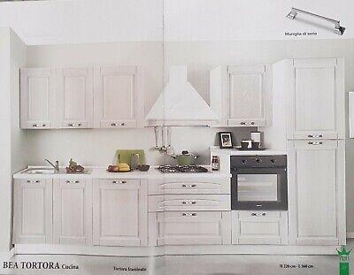 In alternativa, la scelta più classica per la cucina è la tricromia, individuando un colore predominante, un colore di supporto e un colore per gli accessori. Bea Cucina Classica In Legno Colore Tortora Ebay