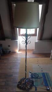 details sur lampadaire vintage annees 1960 en fer forge