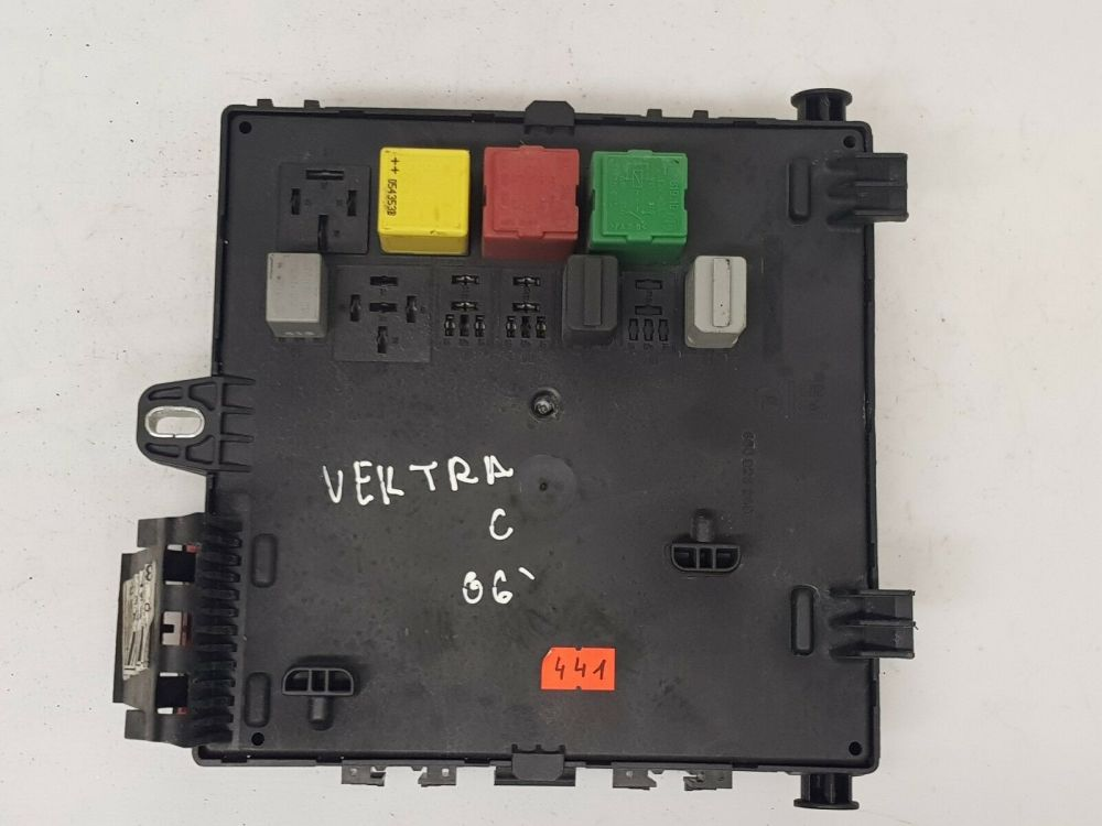 medium resolution of opel vauxhall vectra c 1 9 cdti fuse box and fuses oem 13205774